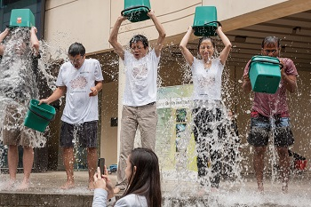 QBI researchers taking the Ice Bucket Challenge in 2014.