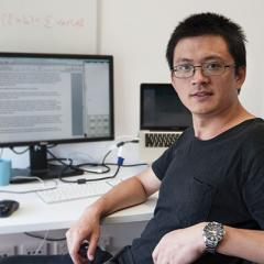 Jian Yang studies statistical genetics and how they influence complex human diseases such as obesity and neuropsychiatric disorders