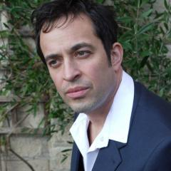 What's going on in the brain when someone creates new music? We speak to legendary jazz pianist Jason Rebello, who spent 10 years touring the world with Sting, and UQ's Prof Geoff Goodhill.
